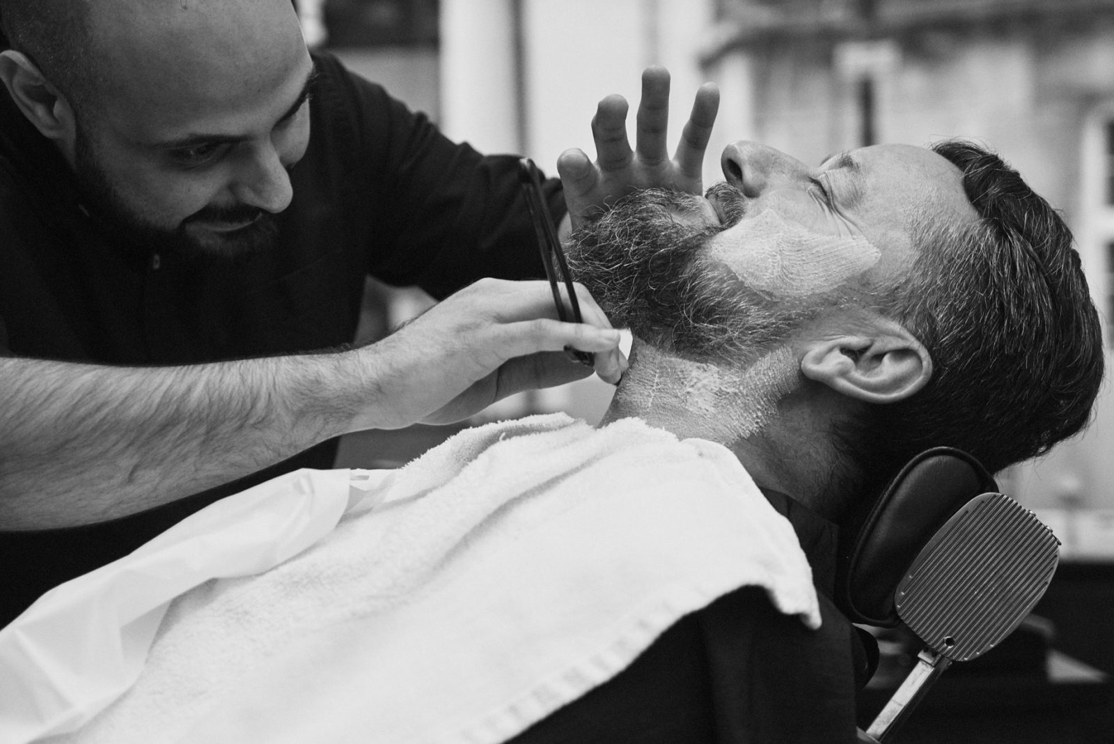 barbershop in New York providing a wet shave